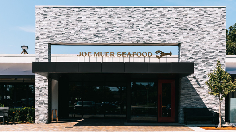 The beautiful exterior of Joe Muer Seafood.